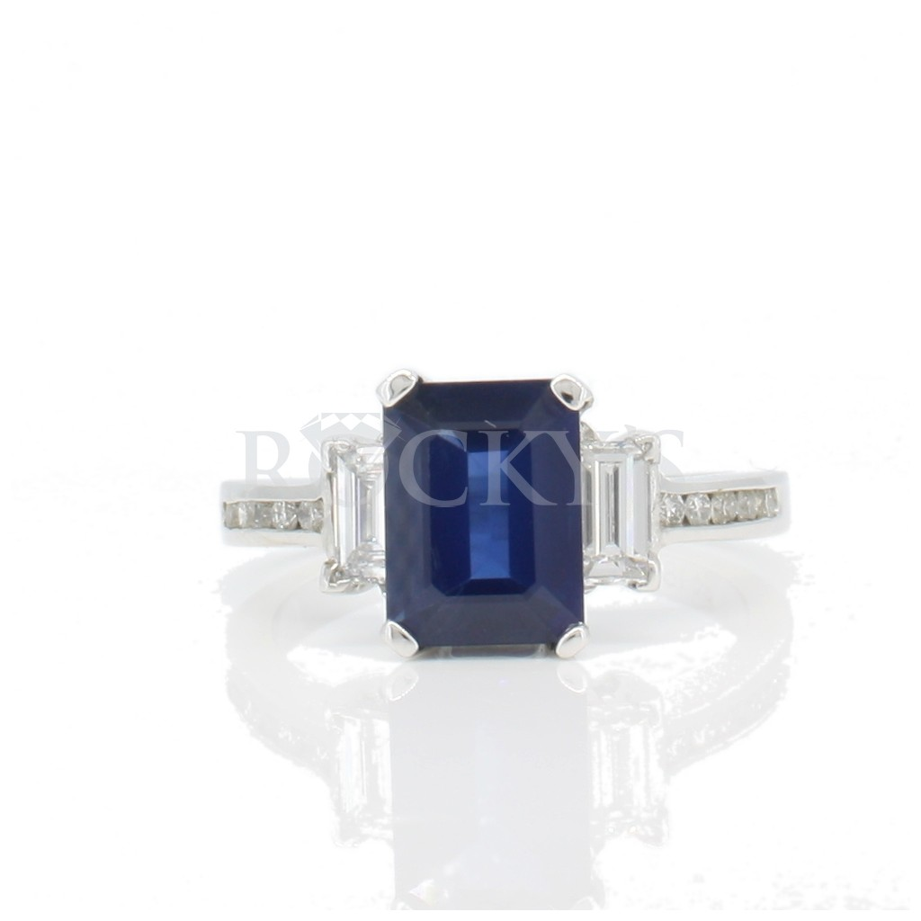Sapphire ring with 2.78ct
