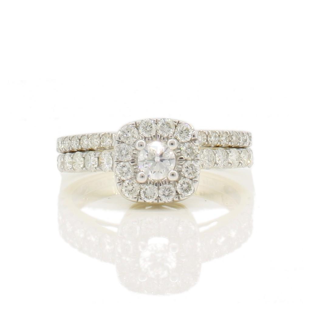 Diamond ring with 1.00 carat.