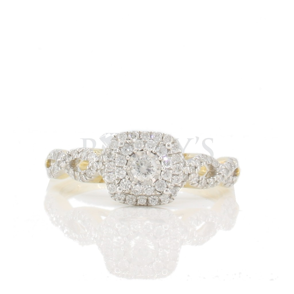 Engagement diamond ring with 0.35 carat