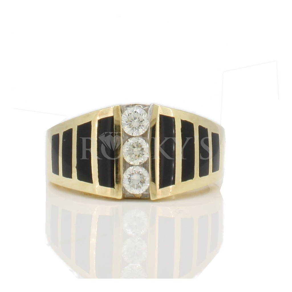 Onyx and diamonds ring with 0.35 carats