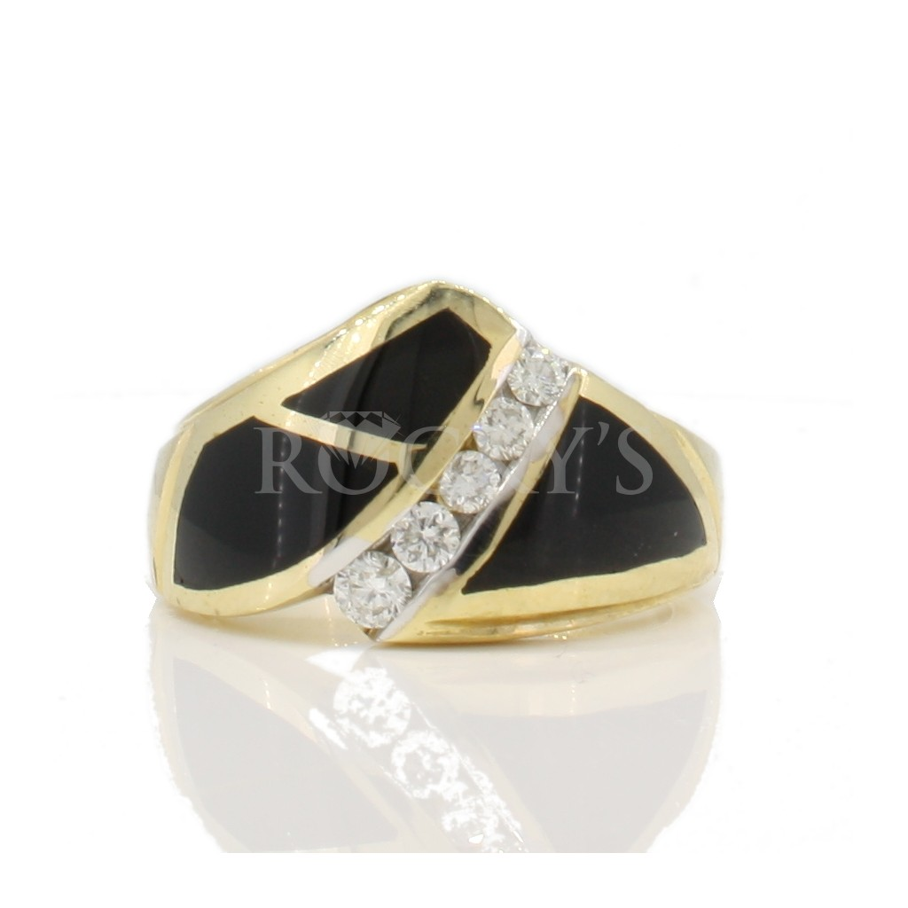 Onyx and diamonds ring with 0.26 carats