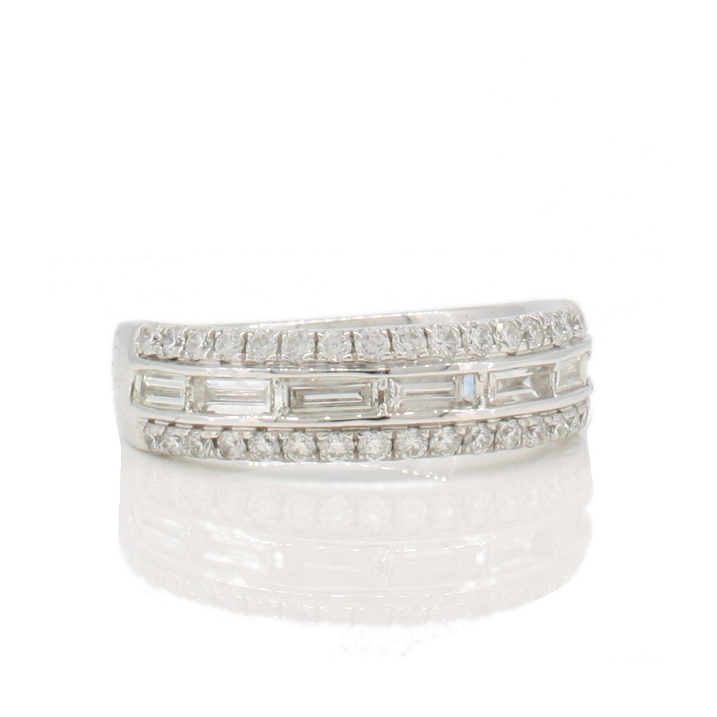 Baguette Diamond Band with 0.95 Carats