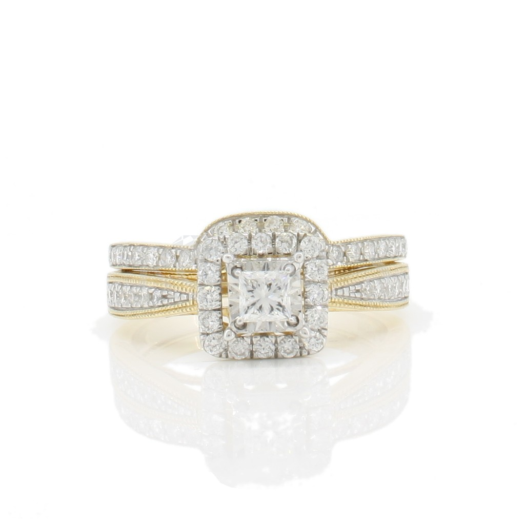 Engagement ring with 0.75 carat