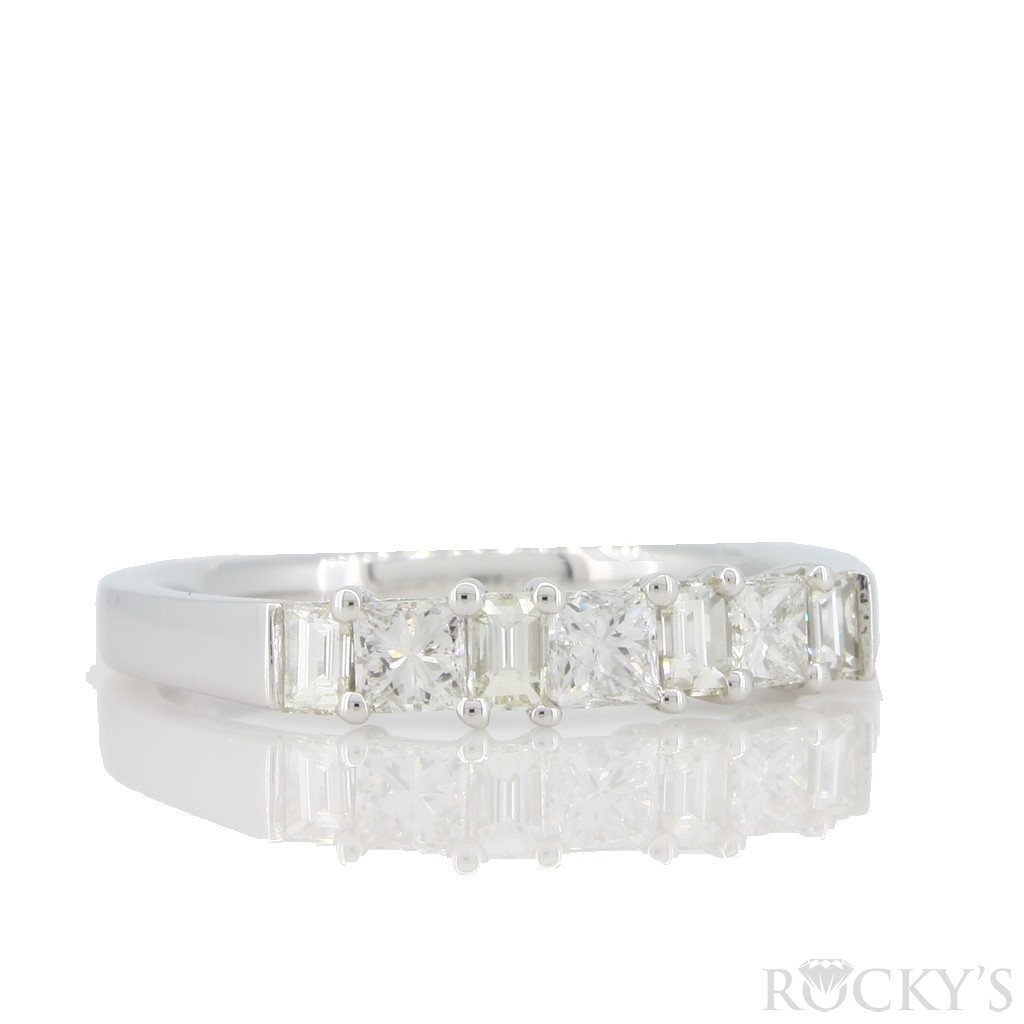 Princess and Baguette Diamond Band with 0.93 carats