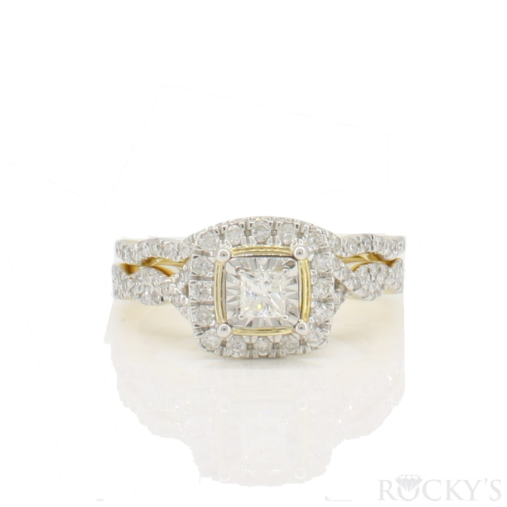 Engagement diamond ring with 0.62ct