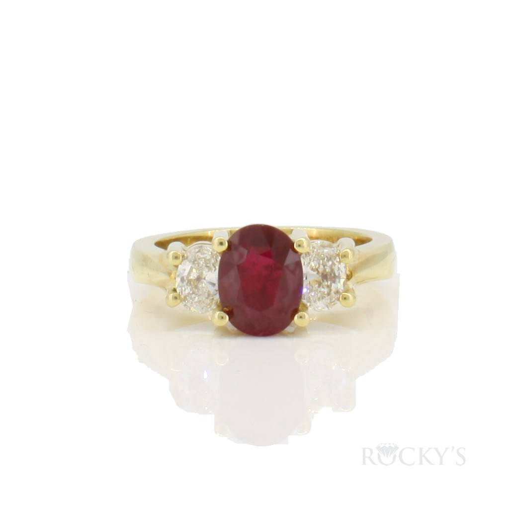 18k yellow gold ruby ring with diamonds 2.12ct