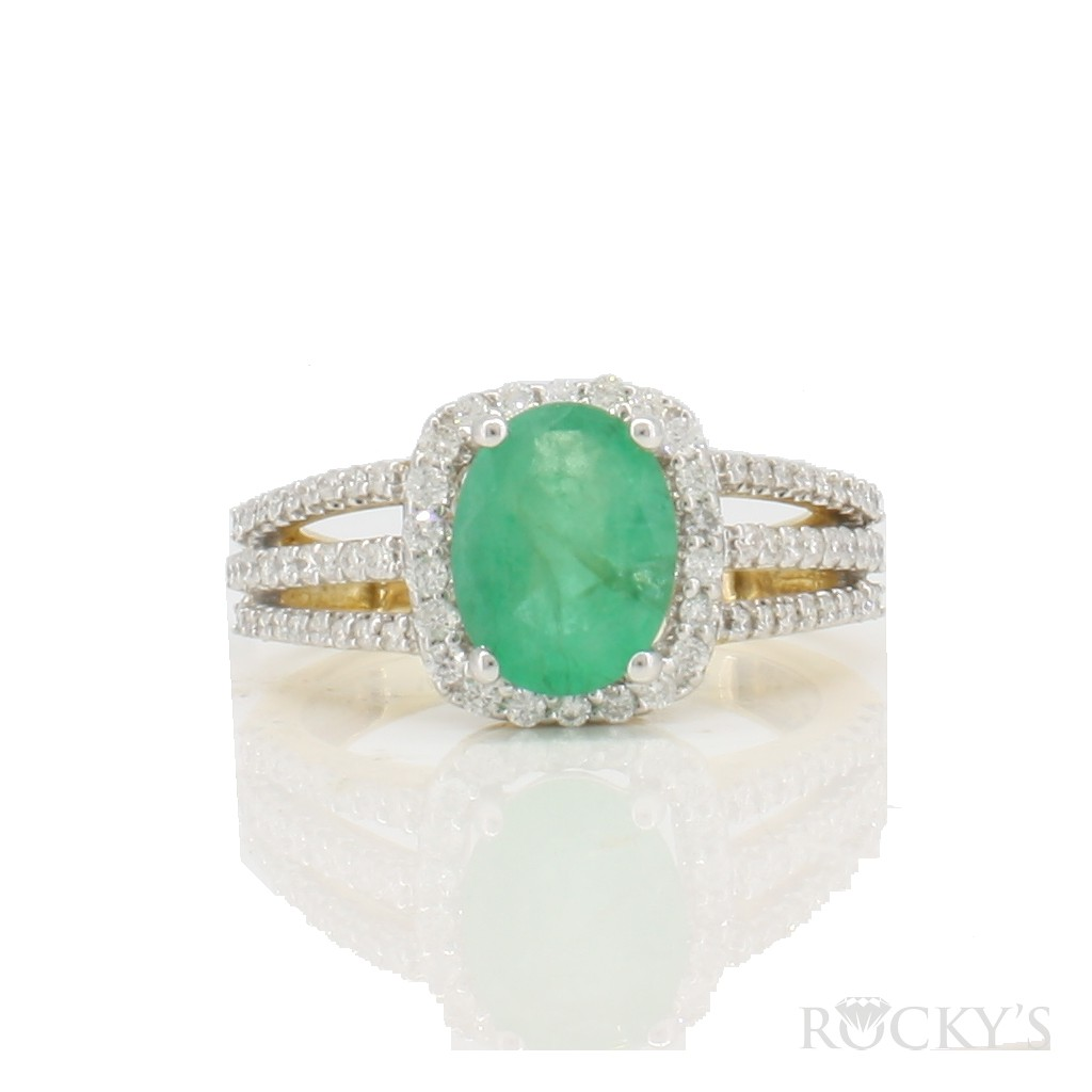 14k yellow gold emerald ring with 2.34ct