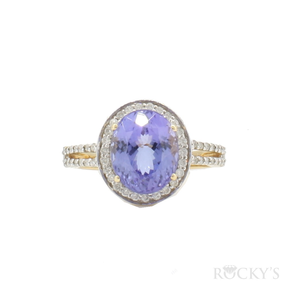 Tanzanite and diamonds ring set in 14k yellow gold with 2.94ct