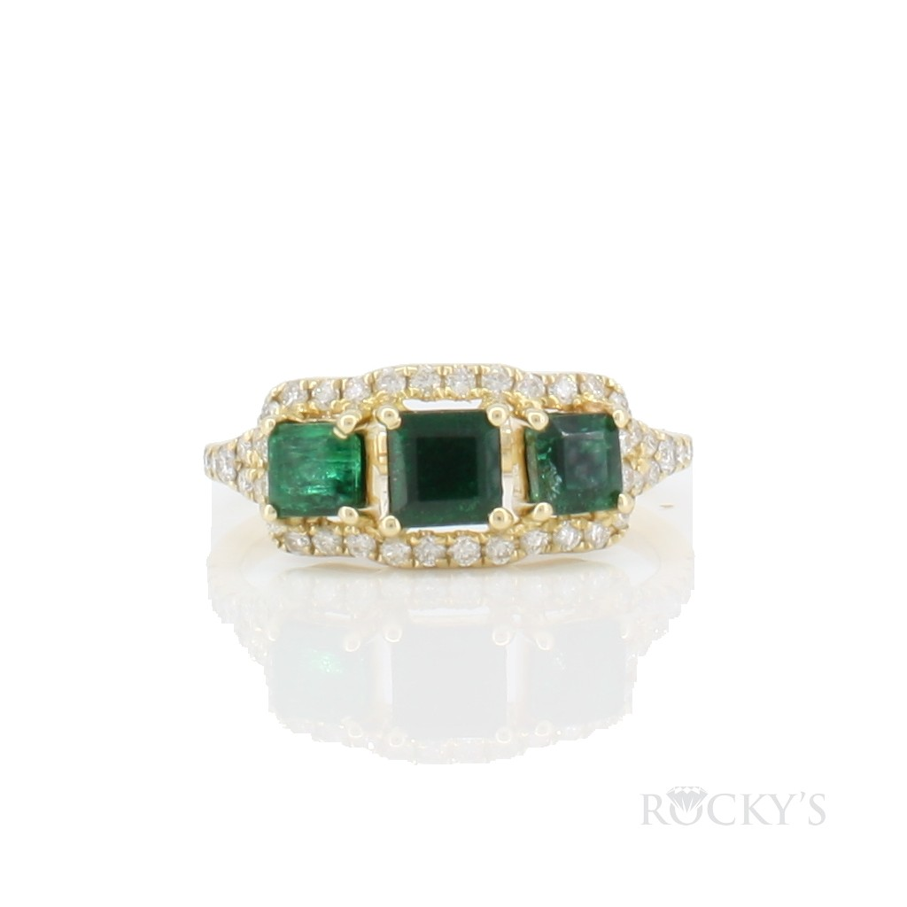 14k yellow gold emerald and diamonds ring with 1.55ct