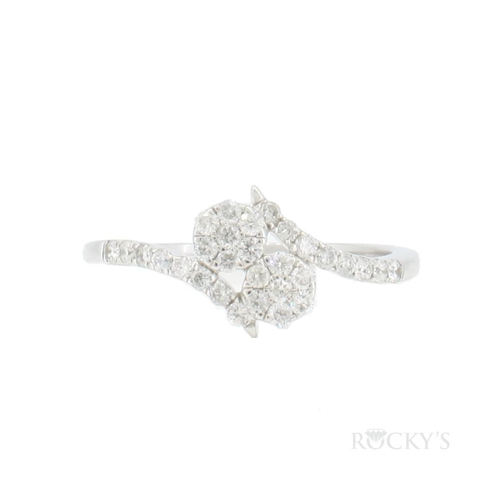 14K white gold flower diamond ring